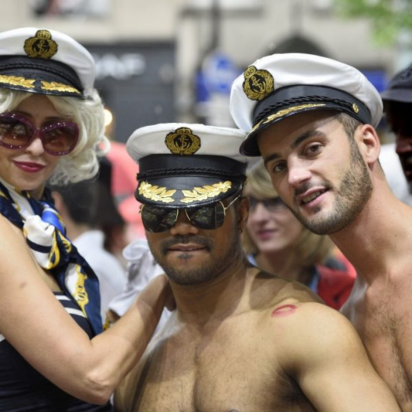 gay pride in paris 2014 by albi with nikon d4s and 70-200mm f: 2/8G