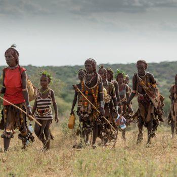 beautiful ethiopian ladies, country side