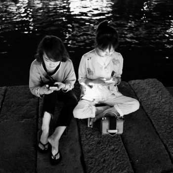 love in wuzhen: in love with her cellphones