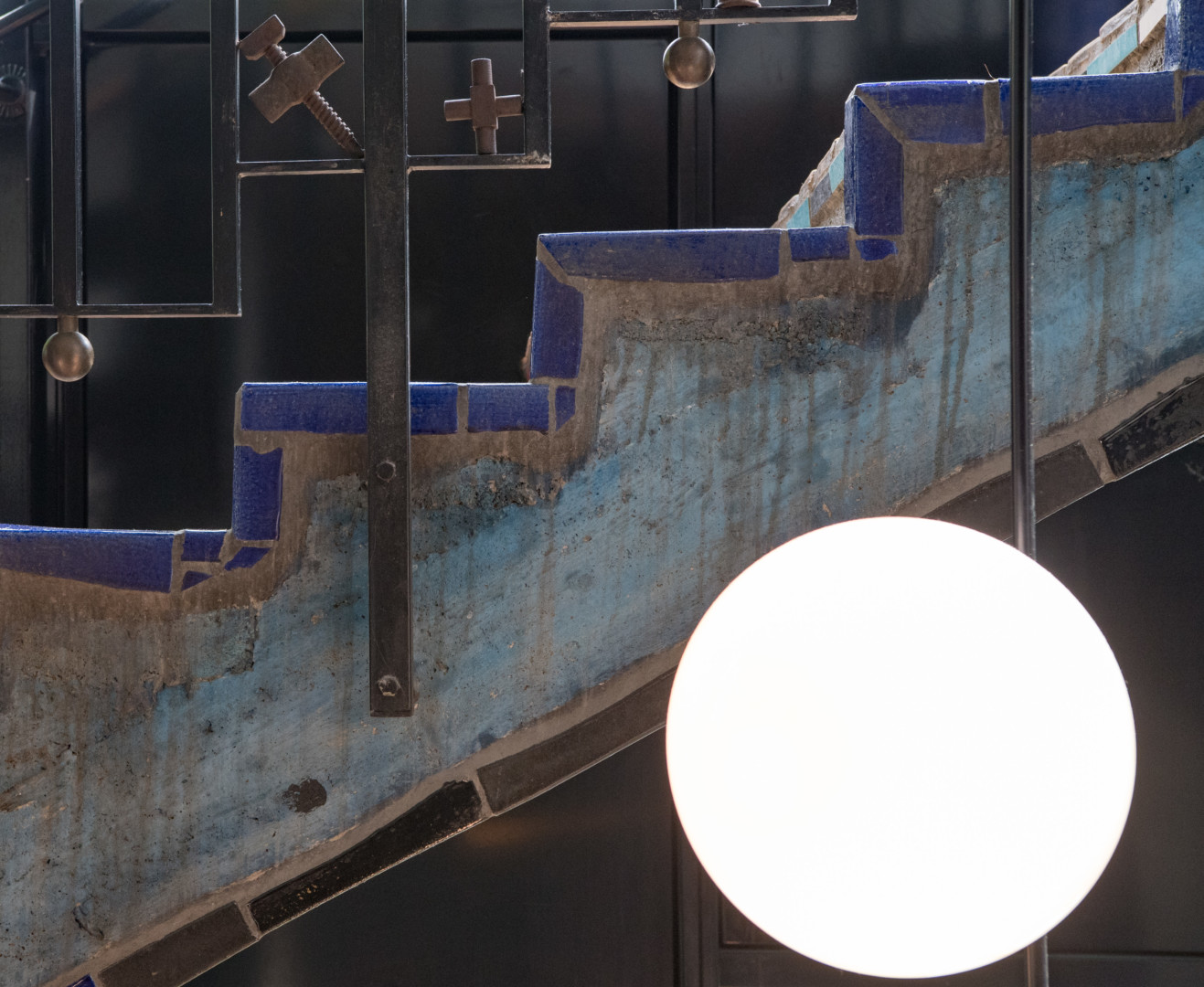 details of the stairs in the hundertwasser house